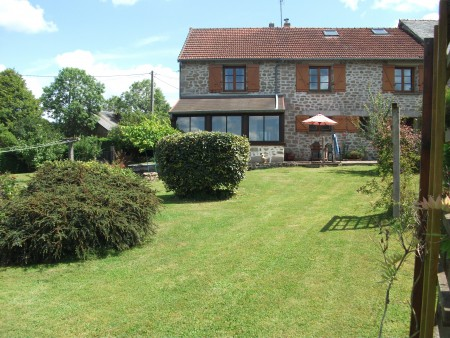Beautiful 3 bedroom home set in a quiet country hamlet 1 hour from Limoges.
