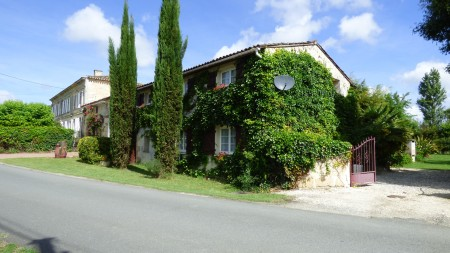 Bordeaux wine region - Manor House with Separate  Gite